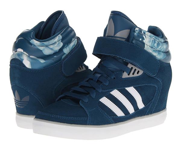 scarpe adidas con zeppa 196466. 87.99 €. 123